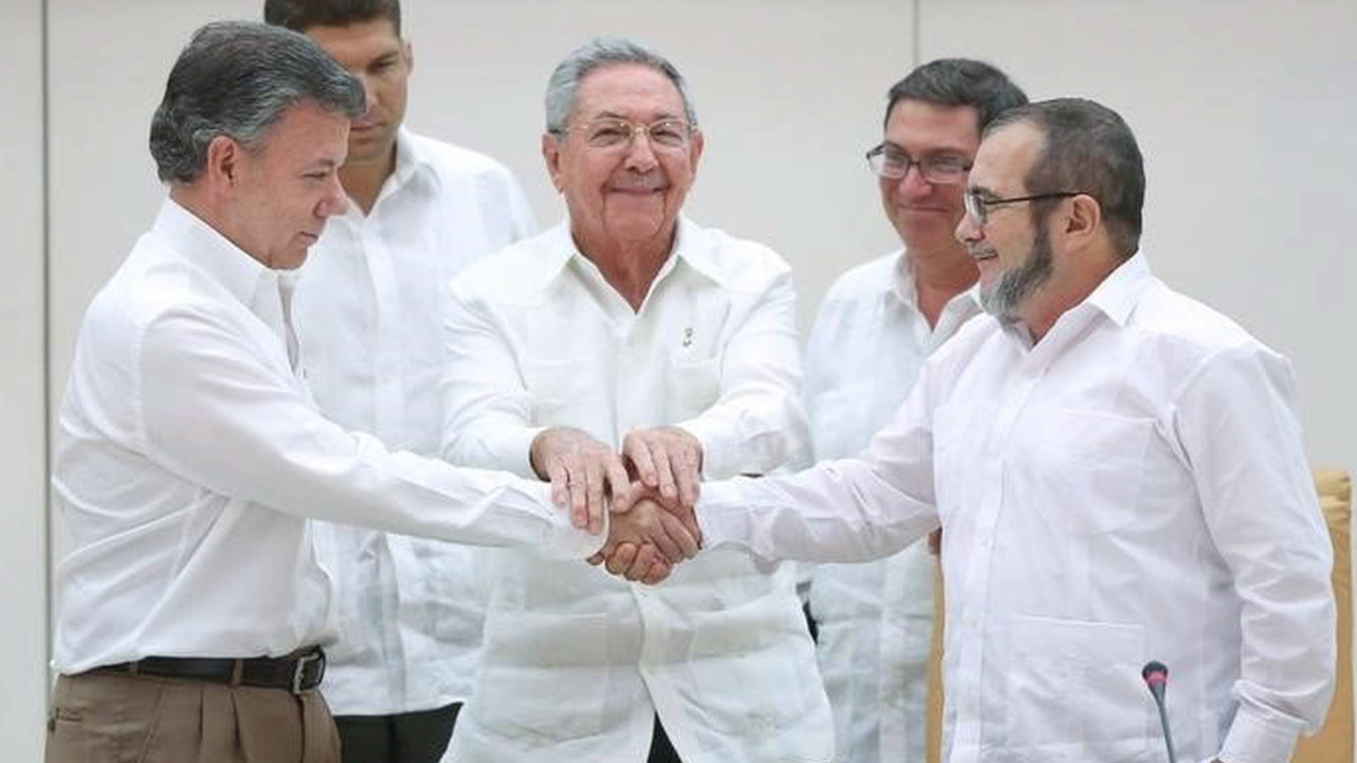 Colombia & FARC Rebels Sign New Peace Deal